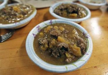 1-9-12: Cambridge, MA: At a medieval cooking class held at Next House at MIT, lamb braised in apricot sauce is pictured. (Globe Staff Photo/Jim Davis) section:lifestyle topic:18medievalpix